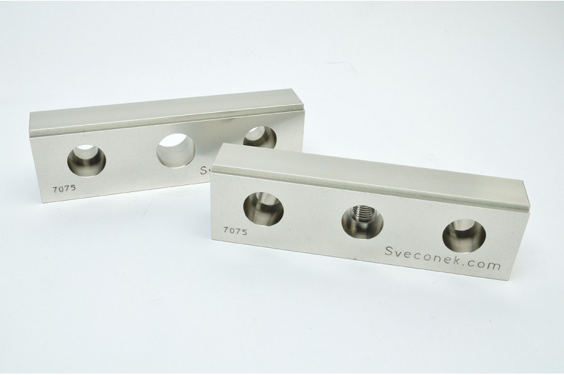 "SVK 0103-FXM - ""Fixed and Movable Jaw Plates w/ Integrated Step / 7075"""